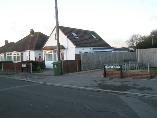 Boundary of Merton Crescent and Roman Grove