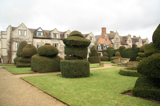 Billesley topiary