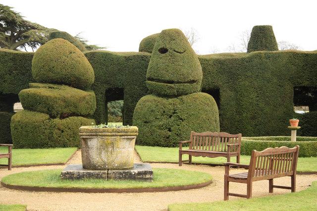 Billesley topiary