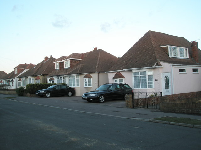 Houses in Grove Avenue