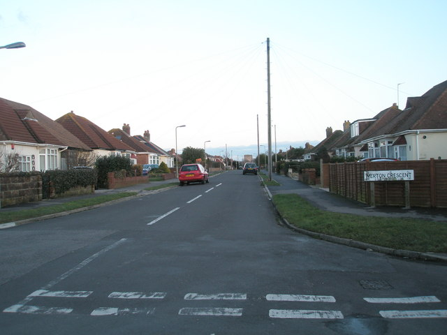 Looking from Grove Avenue into Merton Crescent