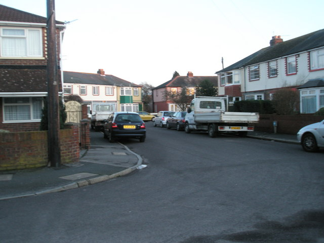 Approaching the junction of  Marina Grove and Kent Grove