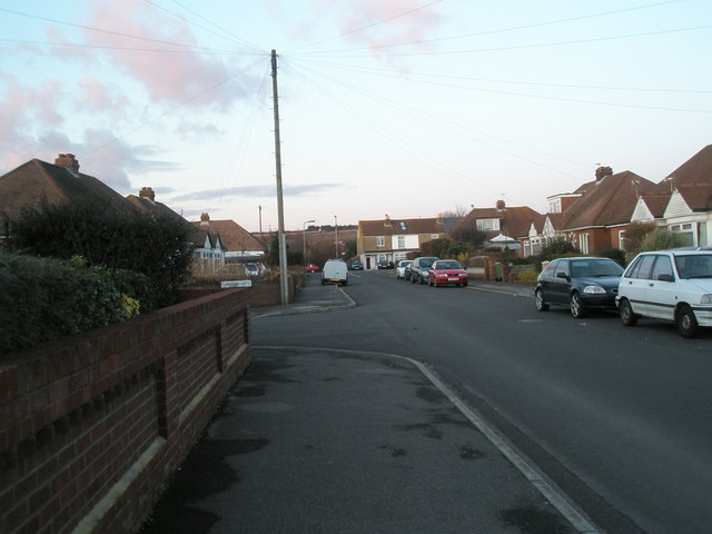 Approaching the junction of   Carberry Drive and Seaway Grove