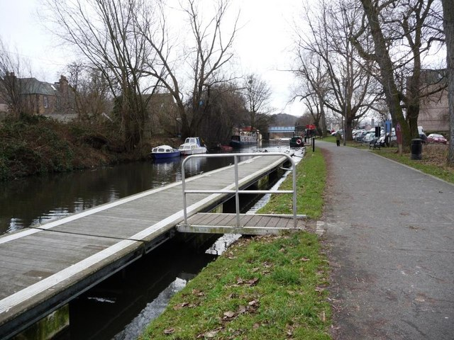 Mooring pontoon, by Harrison Park on the Union Canal