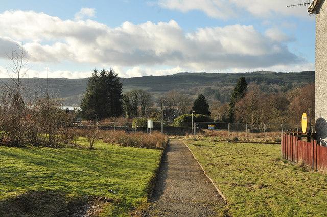 Footpath to Blarbuie Road