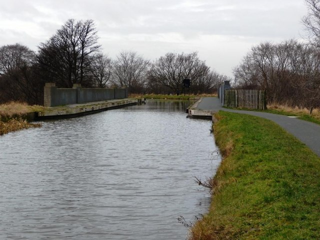 Aqueduct carrying the Union Canal over Slateford Road [the A70]
