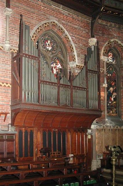 Highgate School Chapel, London N6 - Organ