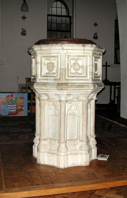 St Mary & St George, Hornsey, London N10 - Font