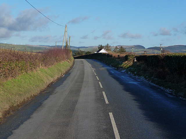 Minor road to Capel Dewi, south of Commins Coch