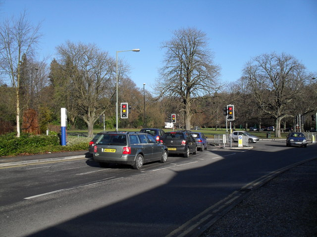 Traffic lights on the Tesco access road