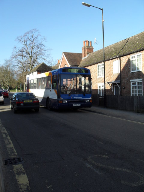 Bus to Guildford in Weyhill