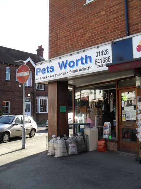 Pet shop in Weyhill