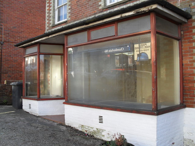 Disused shop in Weyhill