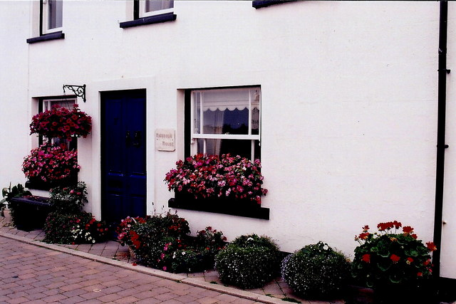 Castletown - House with flowers along The Quay