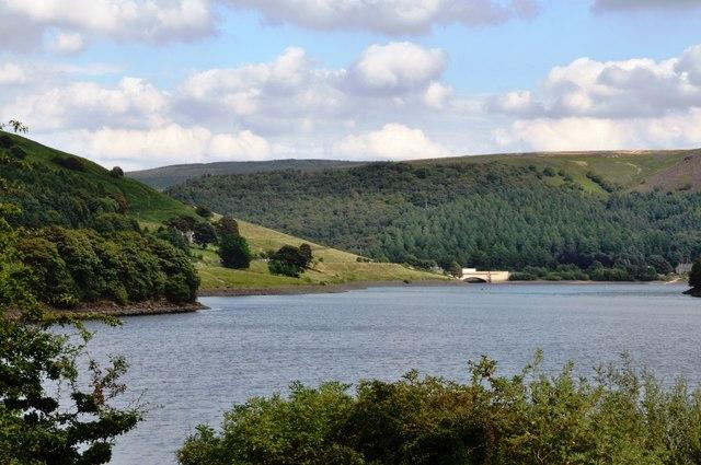 Towards the Ladybower Reservoir -