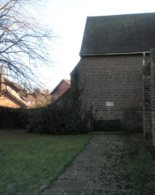 A chilly January morning in St Christopher's Churchyard (5)