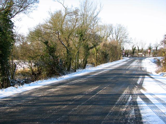 Harvey's Lane approaching the B1332 road
