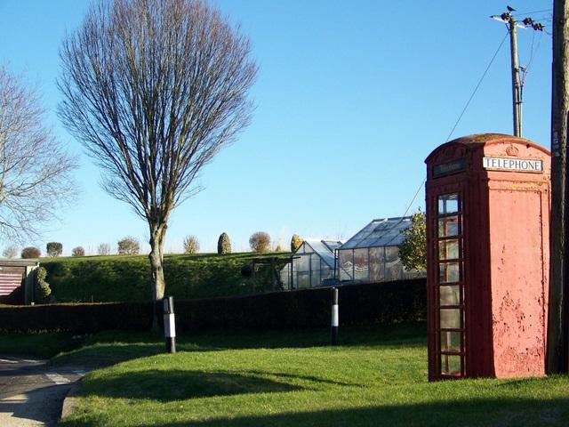 Telephone box, Badbury