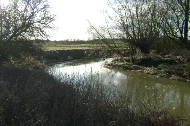 The River Leam meanders north
