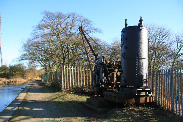 Steam crane and Manchester, Bolton & Bury Canal