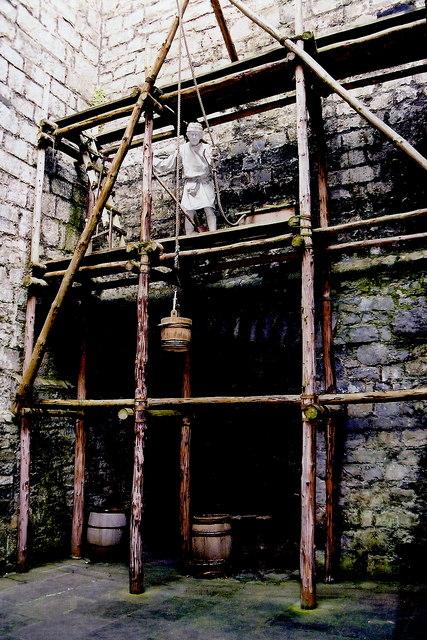 Castletown - Castle Rushen - Building of castle walls