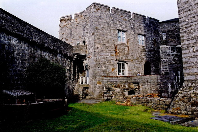 Castletown - Castle Rushen - Outdoor area within walls