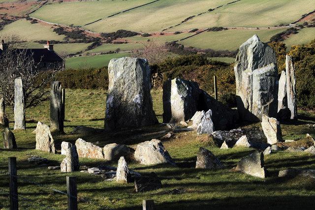 Stones of Cashtal yn Ard