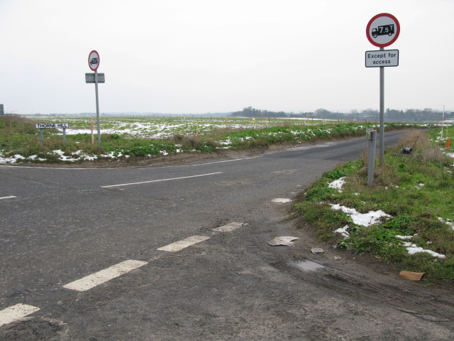 Junction of Way Hill with Thorne Hill