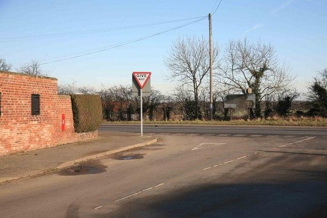 Road Junction right towards Ranskill