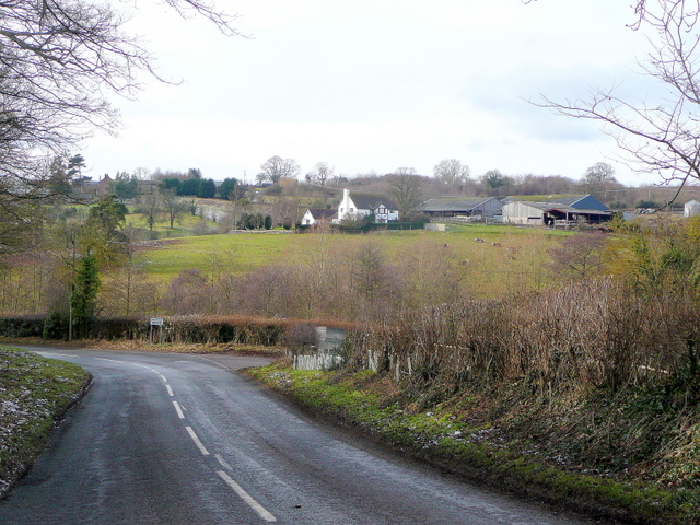 B4221 approaching Phocle Green