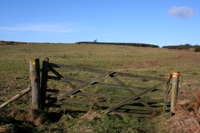 Footpath to Buttoner House Farm