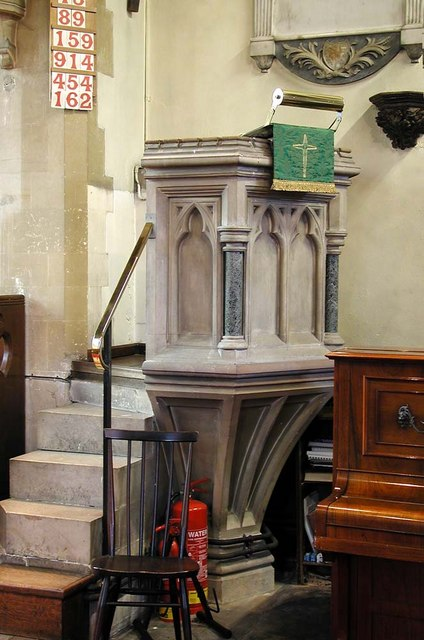 St Peter & St Paul, Harlington - Pulpit