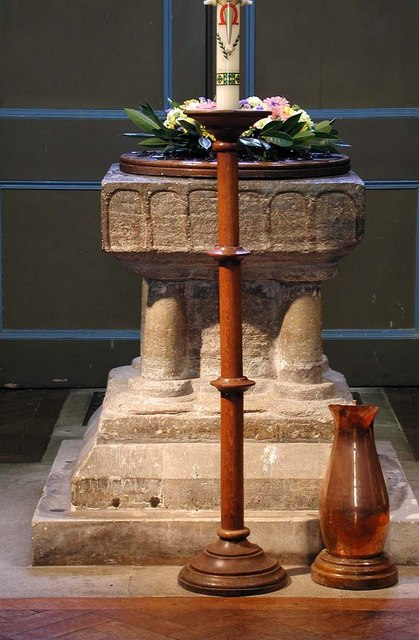 St Peter & St Paul, Harlington - Font