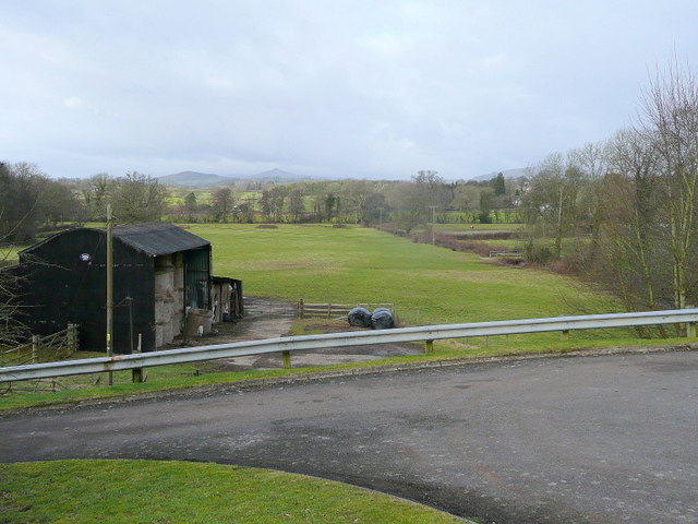 Pasture land beyond New House Farm