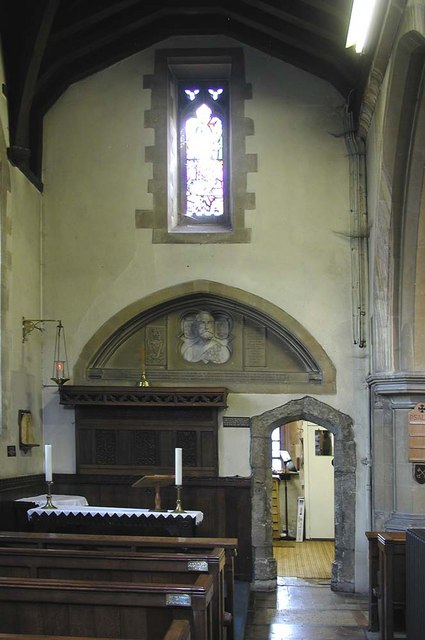 St Peter & St Paul, Harlington - Aisle