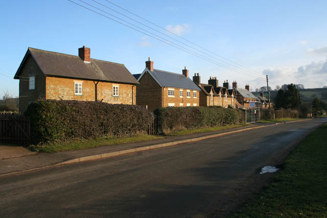 Cottages on Waltham Road