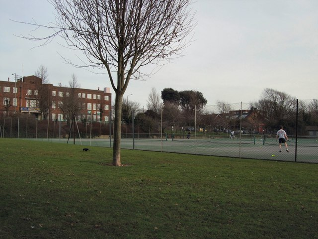 Tennis Courts in Dyke Road Park