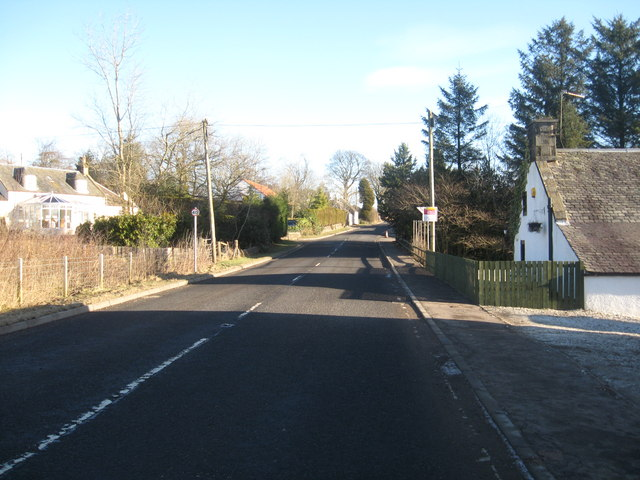The A91 at the village Carnbo