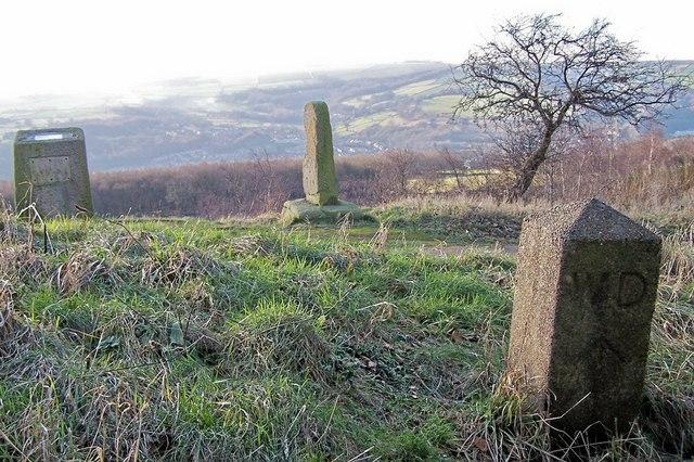 Viewpoint Stones, Jawbone Hill, near Oughtibridge