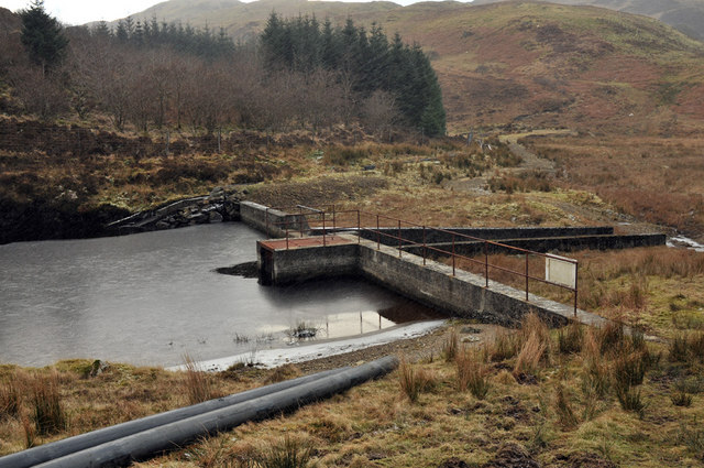 Dam on Loch an Losgainn Mor
