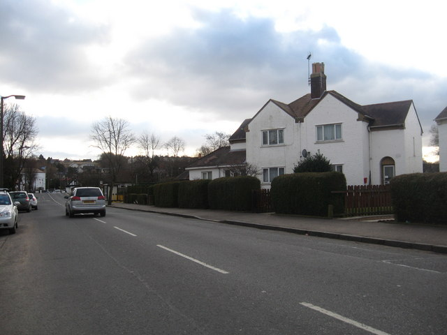 The A908 road at Tillicoultry