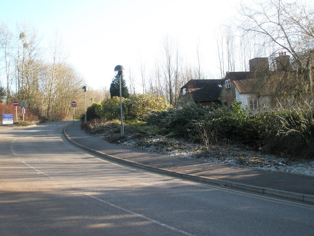 Exit road from the King's Road Industrial Estate.