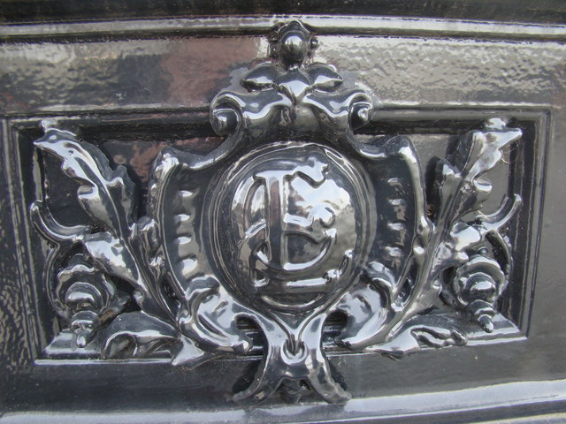 Lambeth Council emblem on the base of a lamp-post