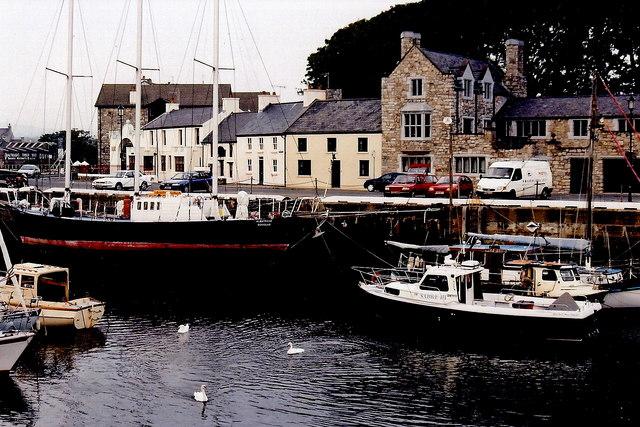 Castletown - Harbour and buildings along Bridge St