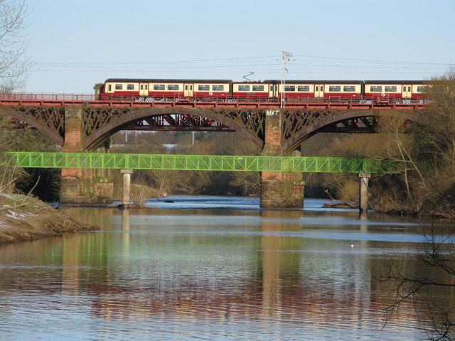 Bridges over the River Clyde near Uddingston