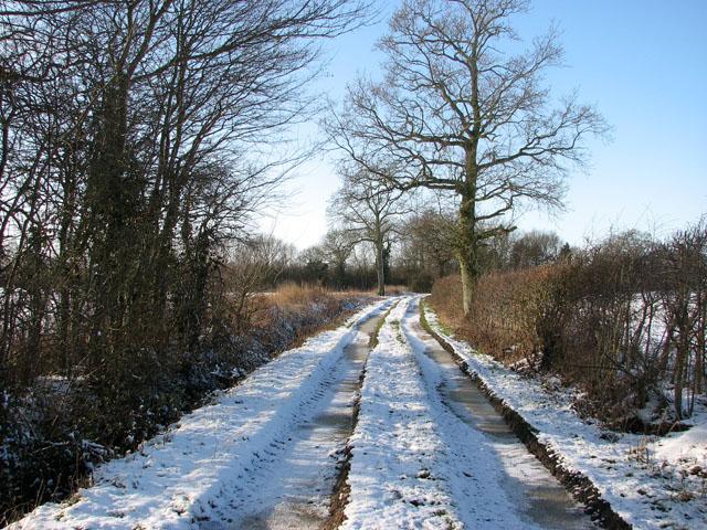 View west along Highfield Lane