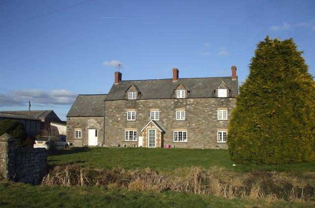 Longlands, Redwick