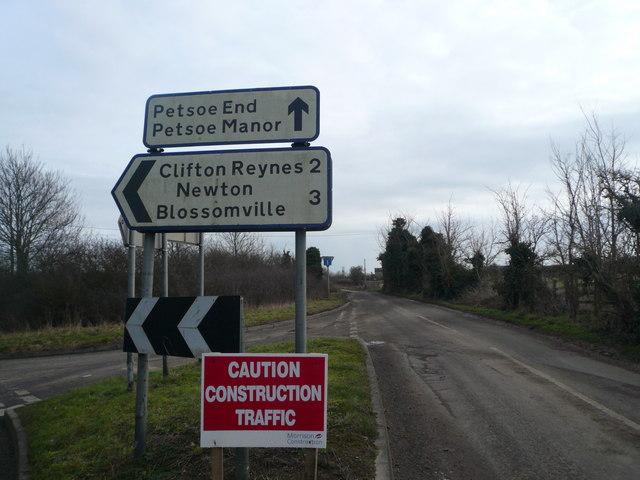 Warning of windfarm construction traffic