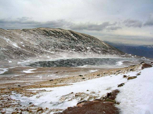 Frozen Lochan Meall an t-Suidhe