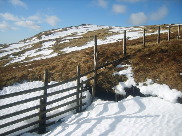 Fence Under Tarn Crag